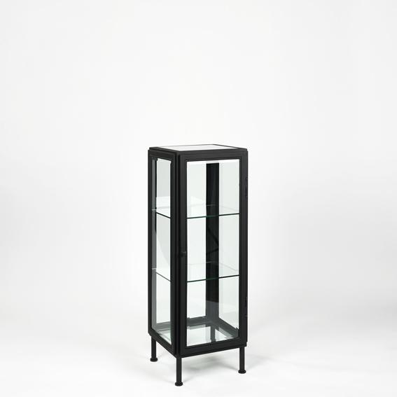 lambert barcelona glasvitrine eisenrahmen pulverbeschichtet schwarz verschiedene gr en. Black Bedroom Furniture Sets. Home Design Ideas