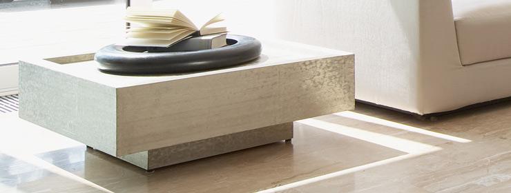 lambert tresor beistelltisch wei metall silbern auf. Black Bedroom Furniture Sets. Home Design Ideas