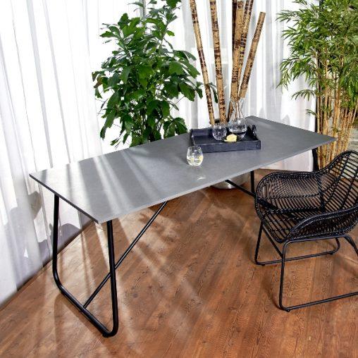 Lambert Amaya Outdoor Tisch